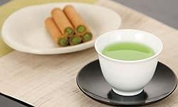 新茶と桜柄の湯呑みとお茶請けセット