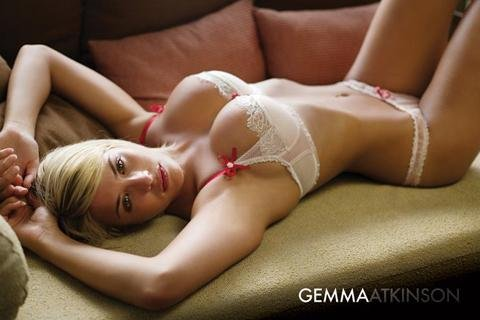 Posters: Pretty Girls Poster - Gemma Atkinson, Sofa (36 x 24 inches)