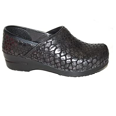 Sanita Women's Original Fashion Birgette Closed Clogs,Black,42 M EU / 10.5-11 B(M) US