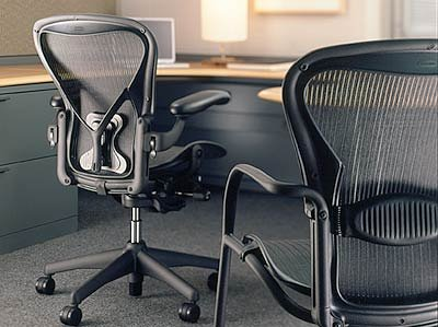 aeron chair by herman miller highly adjustable graphite frame lumbar pad carbon classic medium - Herman Miller Aeron Chair