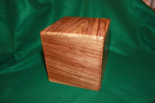 Laurel wood cremation urn hand made in costa rica 411 casket for Laurel wood