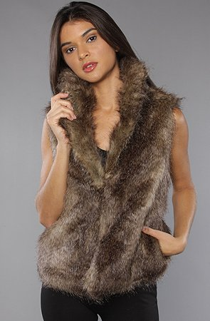 Jack BB Dakota The Janika Vest in Brown,Vests for Women, Small,Brown