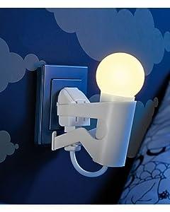 Lunartec - Lámpara LED de noche, diseño de hombrecillo (con sensor de día)