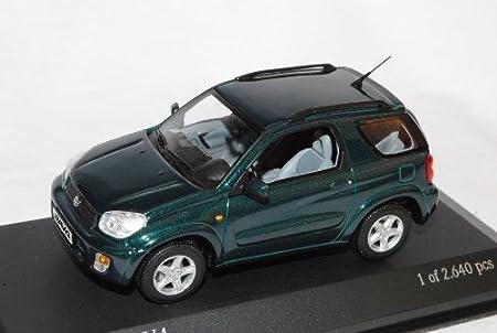 toyota rav4 2000 2006 gr n 3 t rer 1 43 minichamps modell. Black Bedroom Furniture Sets. Home Design Ideas