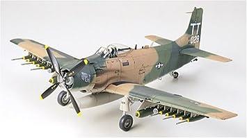 Tamiya - 61073 - Maquette - A-1J Skyraider - Echelle 1:48