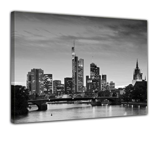 """Bilderdepot24 Leinwandbild """"Frankfurt Skyline schwarz weiß - Deutschland bei Nacht - Deutschland"""" - 70x50 cm 1 teilig - fertig gerahmt, direkt vom Hersteller"""