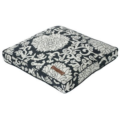 Chelsea Square Pillow Dog Bed Size: Small (3