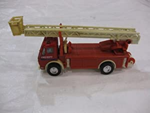 Mercedes-Benz Fire Truck Edition Hook & Ladder Series Diecast Manufactured by Welly