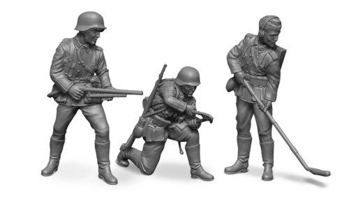 Zvezda Models 1/72 German Sturmpioniere (8 Figures With Equipment)