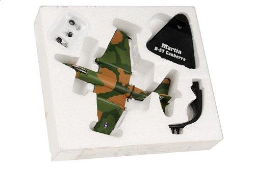 1:144 De Agostini 飛行機 223077 Martin B-57 Canberra ダイキャスト モデル USAF【並行輸入品】