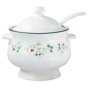 Pfaltzgraff Winterberry Covered Soup Tureen with Ladle