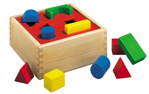 HEROS 100011702 - Holzbox -Steckspiel 17x17x7cm - inklusive 10 verschiedenen Steckteilen - hochwertiges Buchenholz - Made in Germany
