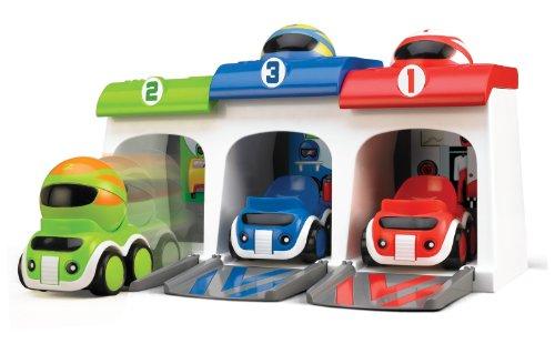 Pise de course avec 3 voitures TOMY