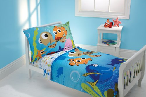 Disney 4 Piece Toddler Bedding Set, Nemo and Friends - 1