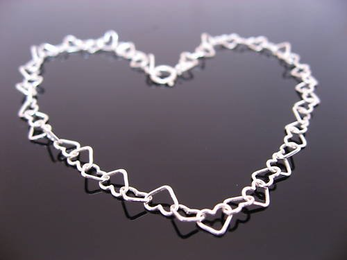 Sterling Silver Hearts Anklet 10.5 inches. Free Gift box and postage.