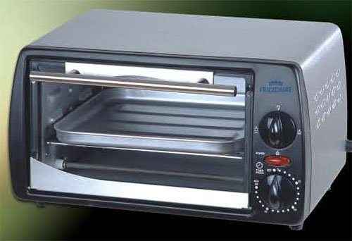 Frigidaire FD6125 9-Liter Toaster Oven, 220 to 240-volt (Frigidaire Toaster compare prices)