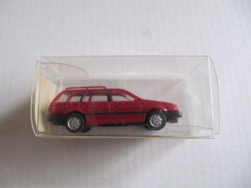 WIKING 04213 Volkswagen VW Passat Variant. Weinrot. ohne Dachreling