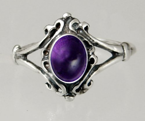 An Elegant Sterling Silver Victorian Ring Featuring a Lovely Amethyst Gemstone