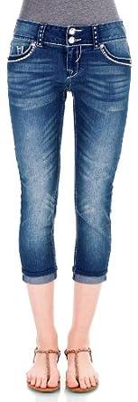 WallFlower Juniors Luscious Curvy Capri Jeans in Illaria Size: 17