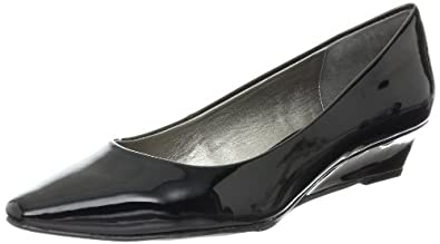 Adrienne Vittadini Footwear Women's Prince Wedge Pump,Black,6 M US