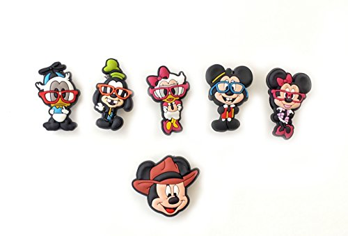 6 Pcs Mickey Friends # 7 Shoe Charms front-1039631