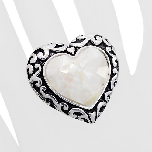 Antique Swirl Edge Mother of Pearl Stretch Ring White