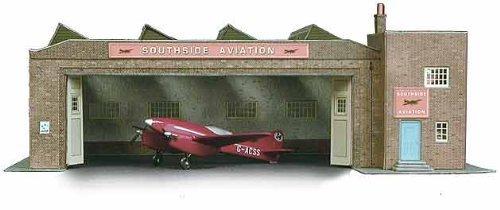Superquick Multi-purpose Depot Building / Aircraft Hangar - 1/72 OO/HO - Card Kit by Superquick