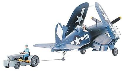 Tamiya - 61085 - Maquette - Corsair F4U-1D et Tracteur Pont - Echelle 1:48