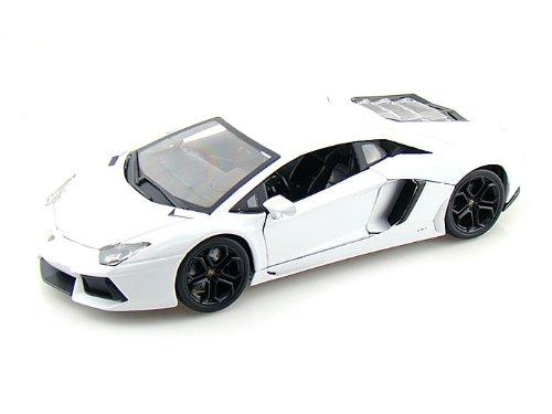Bburago Lamborghini Aventador LP700-4 1/18 White (Lamborghini Aventador Model compare prices)