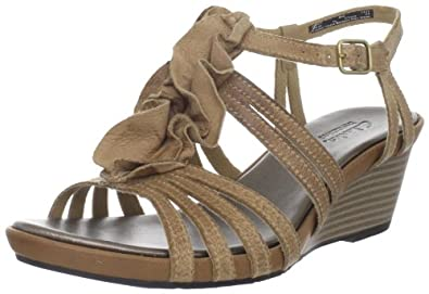 36fa9bfe70b153 Clarks Women s Lucia Resort Wedge Sandal