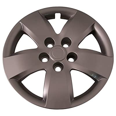 Set of 4 Silver 16 Inch Aftermarket Replacement Hubcaps for a Bolt On Retention System - Part Number: IWC437/16S