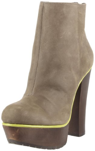 Betsey Johnson Women&#8217;s Maybill Ankle Boot