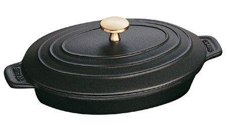 Staube Black Matte Enameled Cast Iron Oval Plate, 1 Quart
