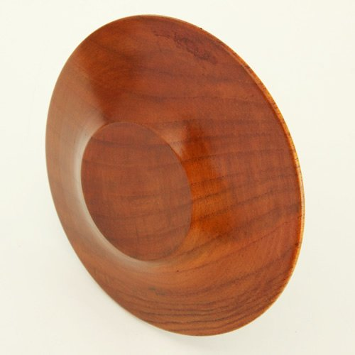 Seven times the paint lacquered natural wood Dimension 4 saucers...
