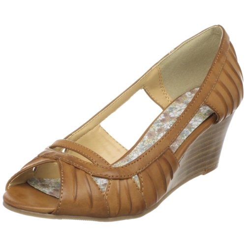 CL by Chinese Laundry Women's Tamara Wedge Sandal,Tan,8.5 M US