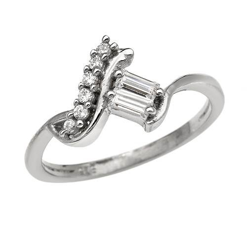 Ring With 1.00ctw Cubic zirconia Well Made in 925 Sterling silver (Size 7)