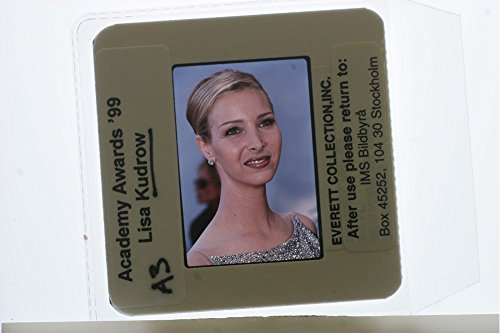slides-photo-of-portrait-of-american-actress-lisa-valerie-kudrow-at-academy-awards99