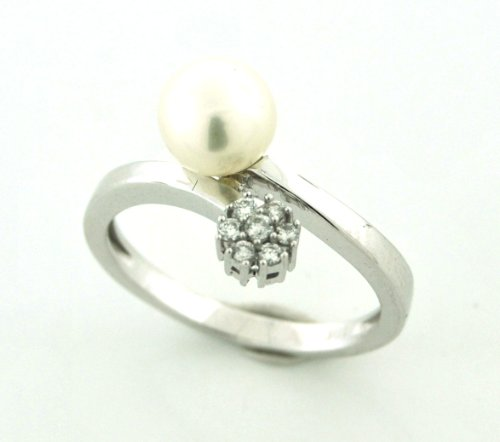 Diamond and Pearl 10 Karat White Solid Gold Ring Size 6.75