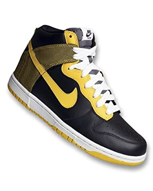 NIKE DUNK HIGH BASKETBALL SHOES