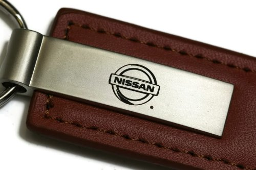 nissan-marrone-portachiavi-in-pelle-authentic-logo-portachiavi-cordino