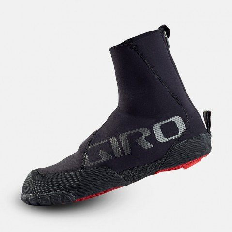 Giro Proof Winter MTB Shoe Cover-Black-M & Etip Lite Gripper Glove Bundle (Giro Proof Winter Cycling Gloves compare prices)