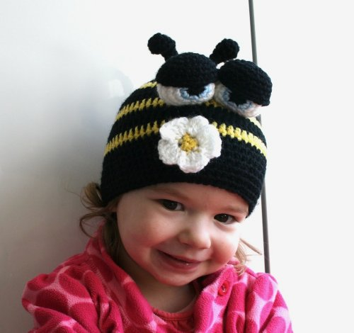 Crochet pattern busy bee beanie (47) 5 sizes newborn to adult (crochet hats Book 1)