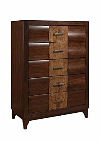 Traditional Chest of Drawer