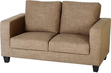 Con espacio para Tempo de sofá de una caja de regalo en la arena tela