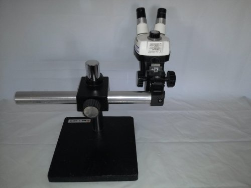 Bausch & Lomb Stero Zoom 4 Stereo Microscope 0.7-3X Zoom 10X Lens W/ Stand 17'' T20268