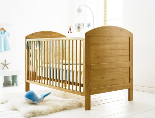 Cosatto Scarborough Cot bed-Light Country Pine + FREE Mattress