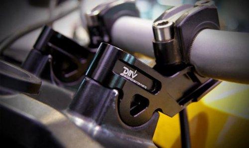 BMW R1200GS/R1200GSアドベンチャー(04-07) ハンドルアップブラケット 15mmアップ 30mmバック