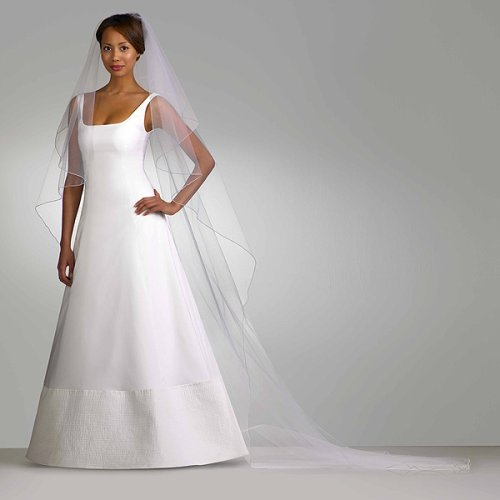 Modern Bridal Gown with Long Veil 3