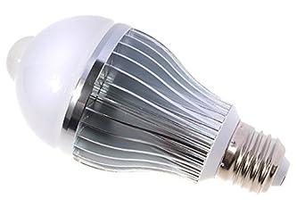 led4u ampoule avec d tecteur d tecteur de mouvement blanc froid e27 8w led led. Black Bedroom Furniture Sets. Home Design Ideas