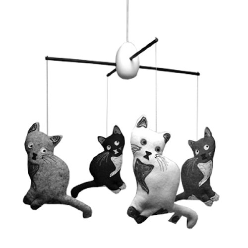 Black And White Mobiles For Newborns front-1077155